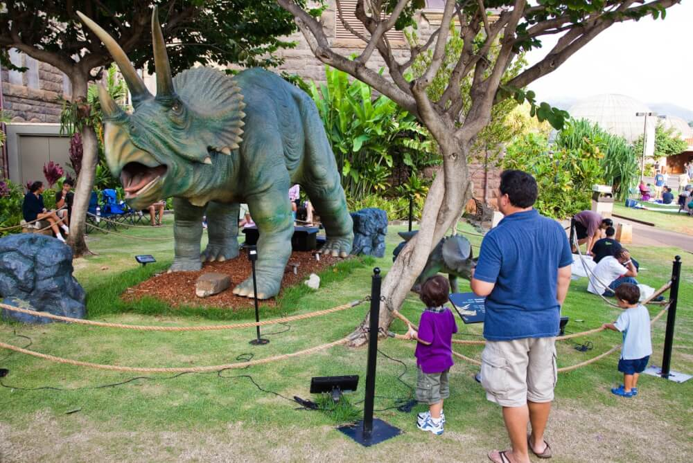 17 Historical Places in Hawaii to Visit with Kids featured by top Hawaii blog, Hawaii Travel with Kids: Bishop Museum is one of the top kid-friendly Oahu attractions for families