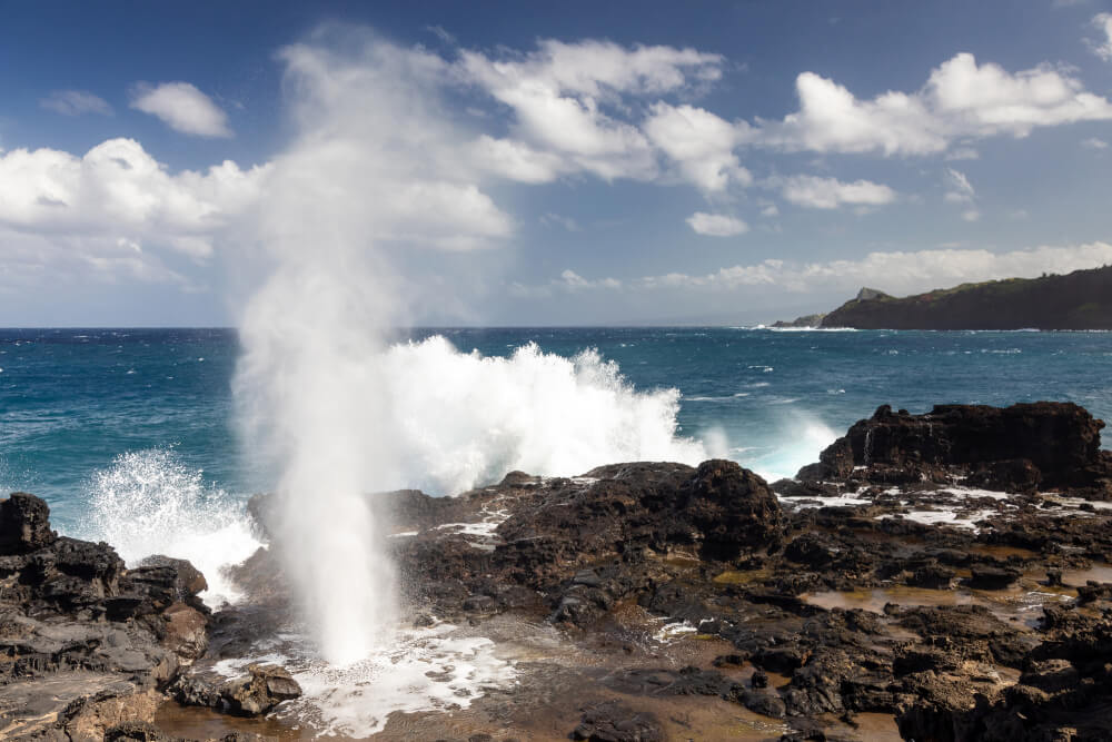 3 Day Maui Itinerary with Kids featured by top Hawaii travel blog, Hawaii Travel with Kids: Families will love Nakalele Blowhole, a popular Maui attraction
