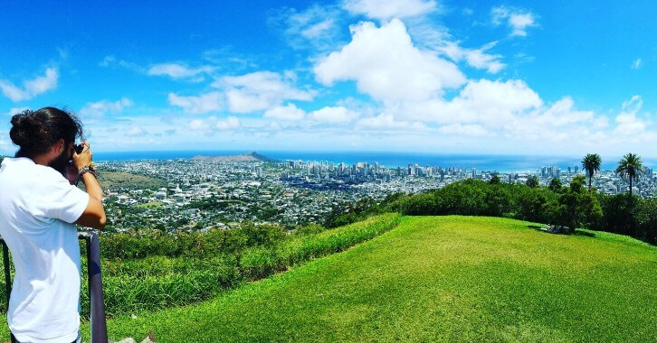 The Most Beautiful Places To Visit In Oahu featured by top Hawaii travel blog, Hawaii Travel with Kids: Oahu photographers love coming to Tantalus for the sweeping views