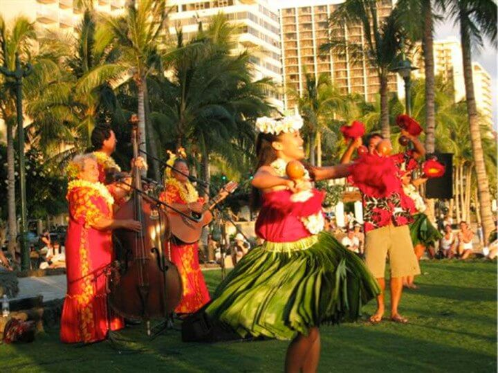 25 Amazing activities in Waikiki with kids featured by top Hawaii blog, Hawaii Travel with Kids: Catch a free hula show in Waikiki at Kuhio Beach on Oahu