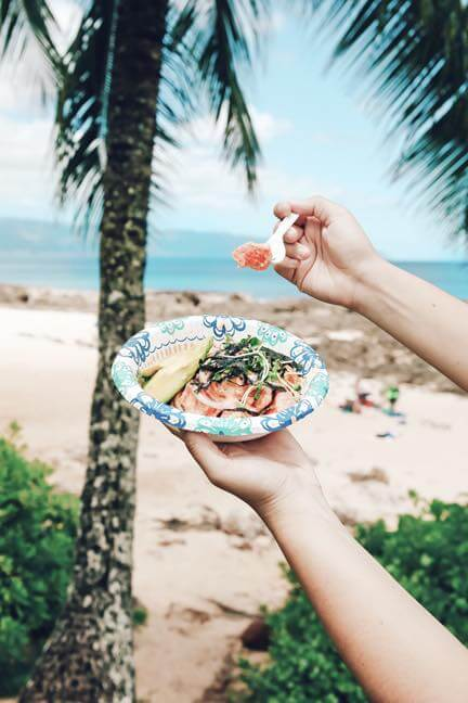 The best things to do in North Shore Oahu featured by top Hawaii blog, Hawaii Travel with Kids: Make sure to grab lunch at one of the many North Shore food trucks, like this poke place