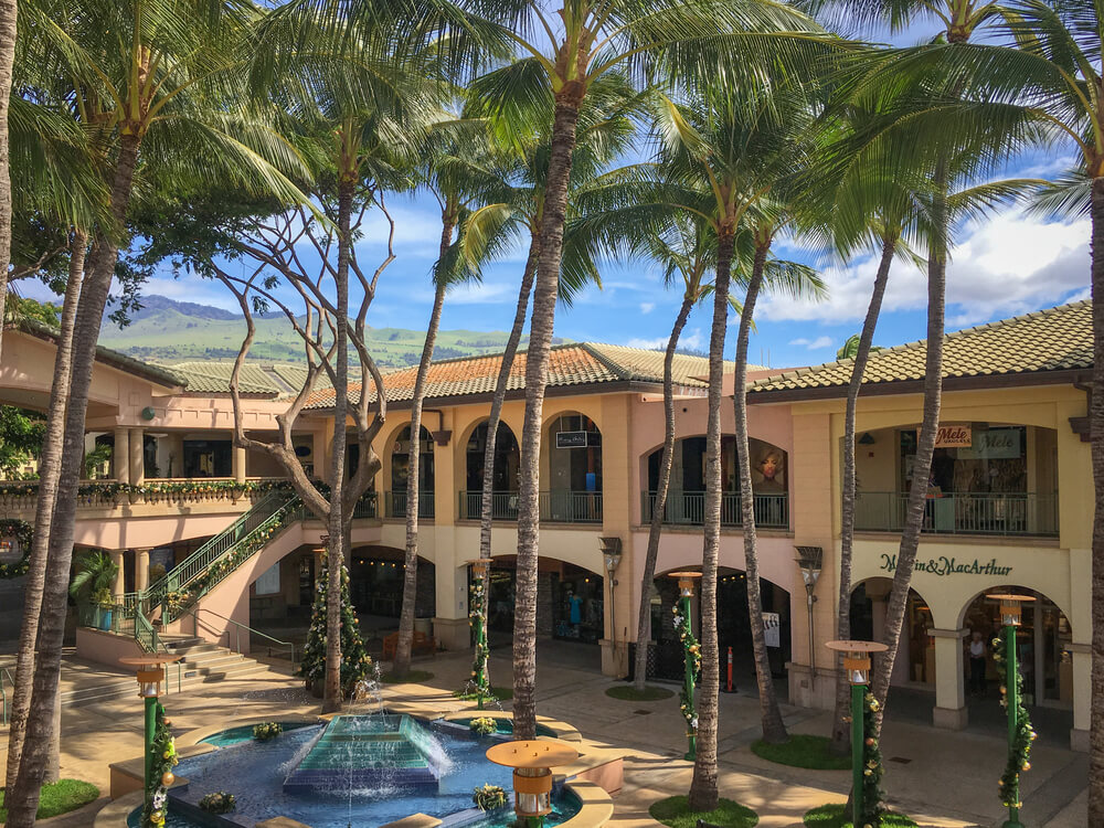 21 Best Things to Do in Wailea Maui featured by top Hawaii blog, Hawaii Travel with Kids: Shops at Wailea on Maui