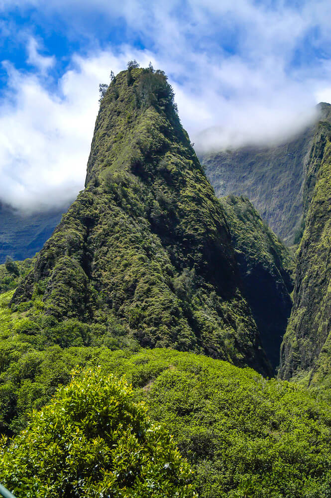 50 Best Places to Visit in Hawaii with your Family featured by top Hawaii blog, Hawaii Travel with Kids: Iao Needle on Maui