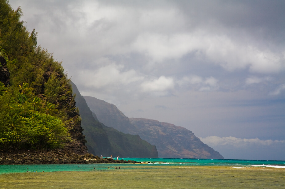 50 Best Places to Visit in Hawaii with your Family featured by top Hawaii blog, Hawaii Travel with Kids: Kee beach in Haena State Park on Kauai
