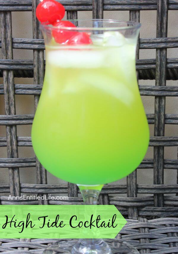 40 Hawaiian Cocktails To Try At Home featured by top Hawaii blog, Hawaii Travel with Kids