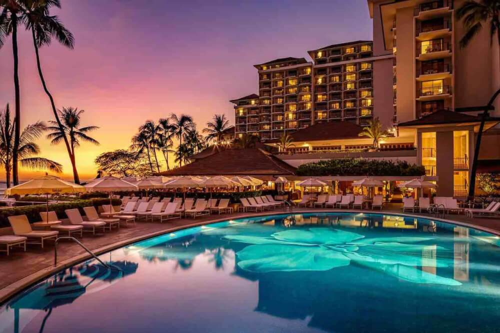 Top 8 Romantic Oahu Honeymoon Resorts featured by top Hawaii blog, Hawaii Travel with Kids: Halekulani Hotel on Oahu