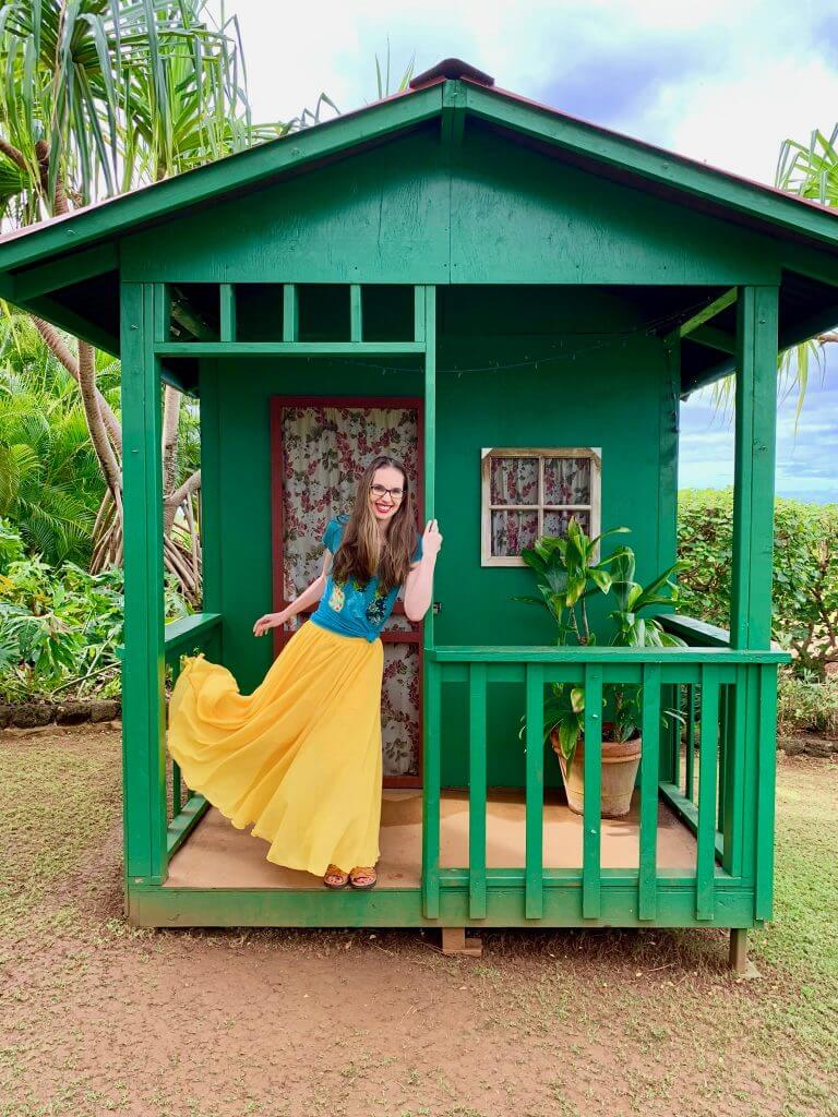 Top 12 Best Photo Opportunities on Kauai featured by top Hawaii travel blog, Hawaii Travel with Kids: Who knew the Shops at Kukui`ula in Poipu would have some of the best photo opportunities on Kauai?