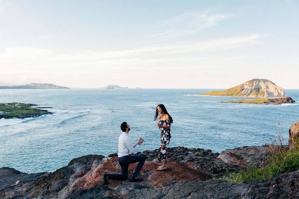 Hawaii beach proposal photo shoot