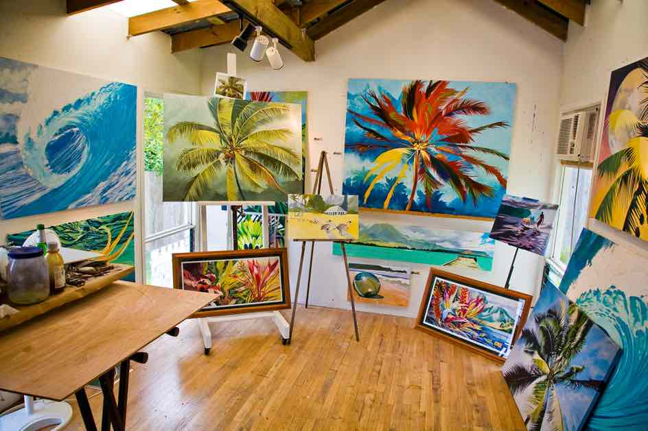 101 Best Things to Do on Kauai with Kids featured by top Hawaii blog, Hawaii Travel with Kids: Stop by a Kauai art gallery on your trip to Kauai with kids