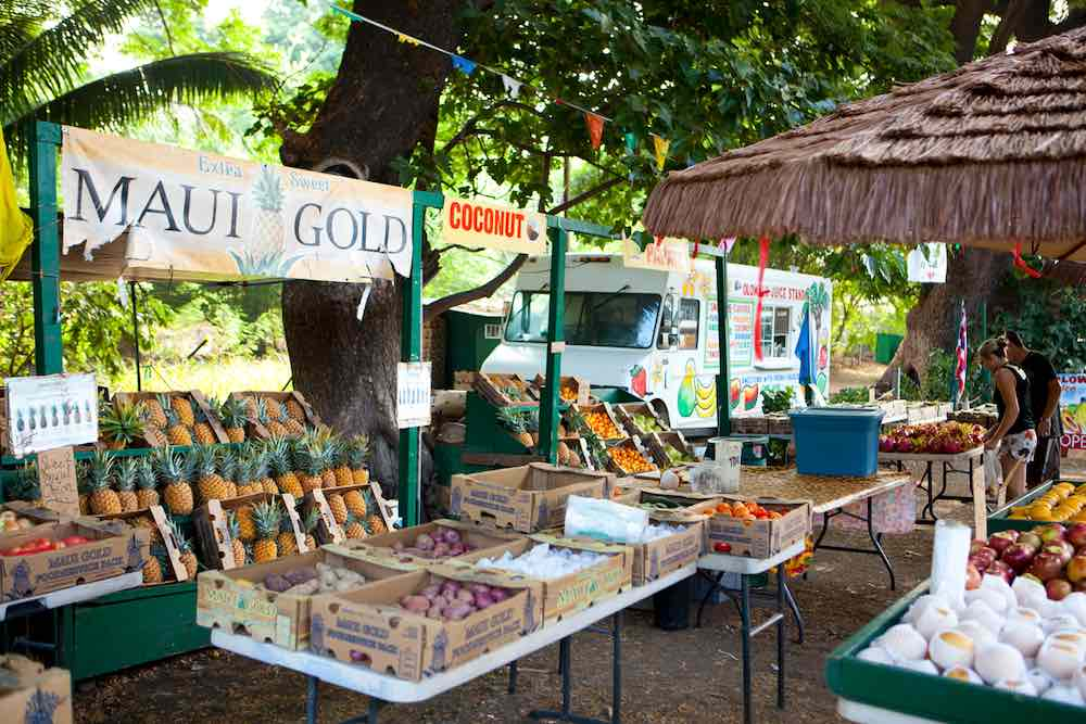 7 Best Maui Farmers Markets Worth Checking Out featured by top Hawaii travel blog, Hawaii Travel with Kids