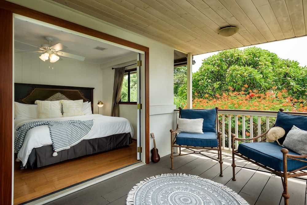 Prettiest Boutique hotels in Maui by top Hawaii blog Hawaii Travel with Kids. Image of the Paia Inn on Maui