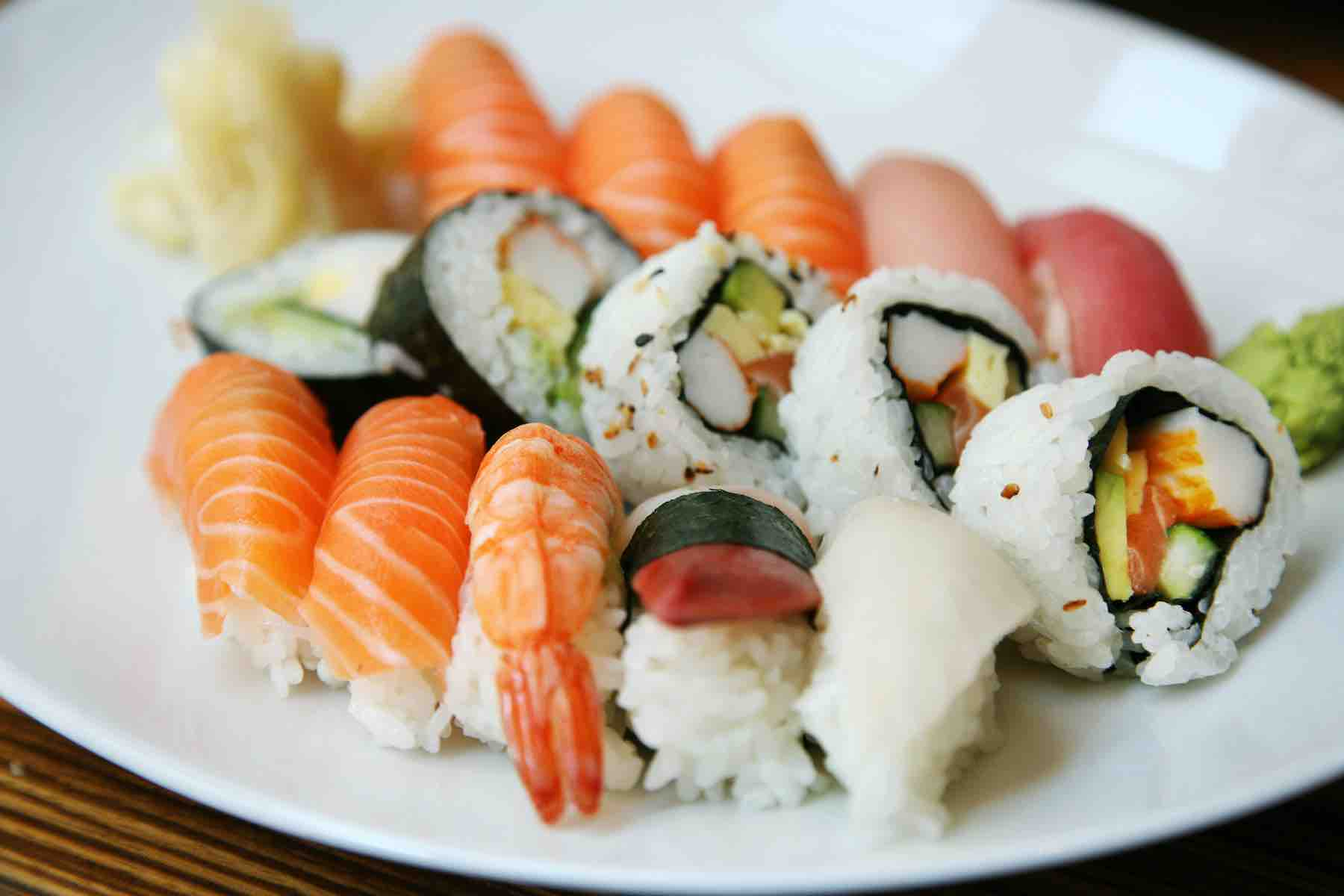 Find out where to get the best sushi in Maui Hawaii by top Hawaii blog Hawaii Travel with Kids. Image of a plate of sushi.