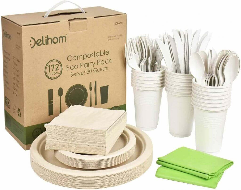 Get these zero waste travel utensils and compostable dinnerwear to use in Hawaii. Image of a set of compostable eco party pack dinnerwear.
