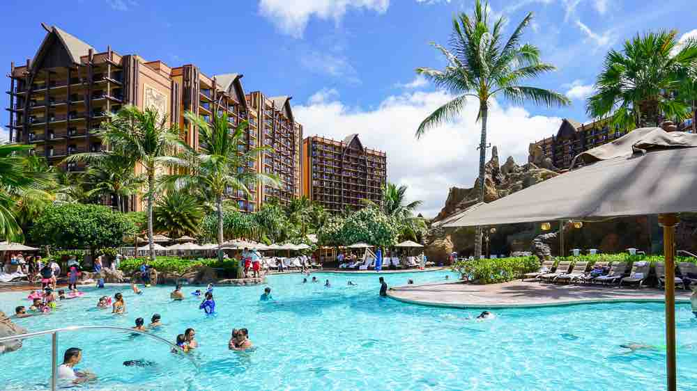 Disney Aulani Resort is definitely one of the best family resorts Hawaii has to offer! Image of the pool area at Aulani Resort in Hawaii.