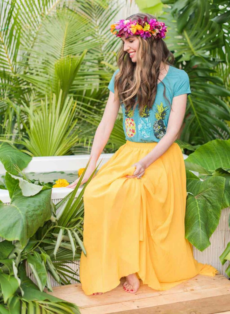 What should you wear for your Kauai photography shoot? I suggest bright colors like this yellow flowy maxi skirt.