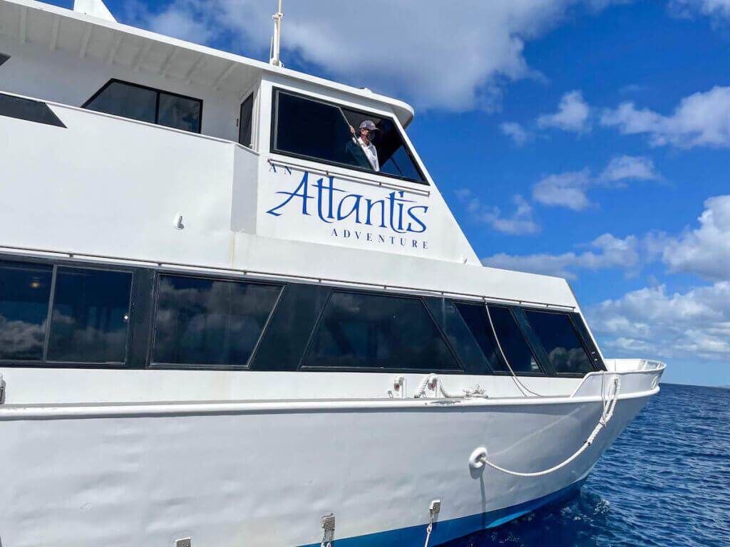 Image of an Atlantis boat that will ferry you to the Waikiki Atlantis Submarine off the coast of Waikiki.