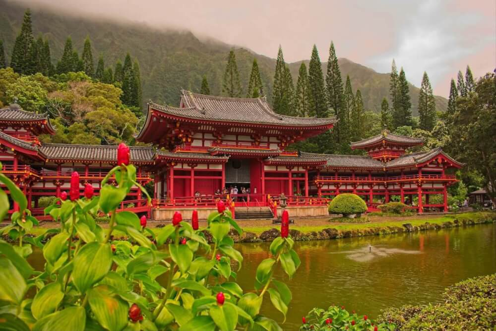 Find out the best things to do in Kaneohe Oahu by top Hawaii blog Hawaii Travel with Kids. Image of the Byodo-In Temple in Kaneohe, HI