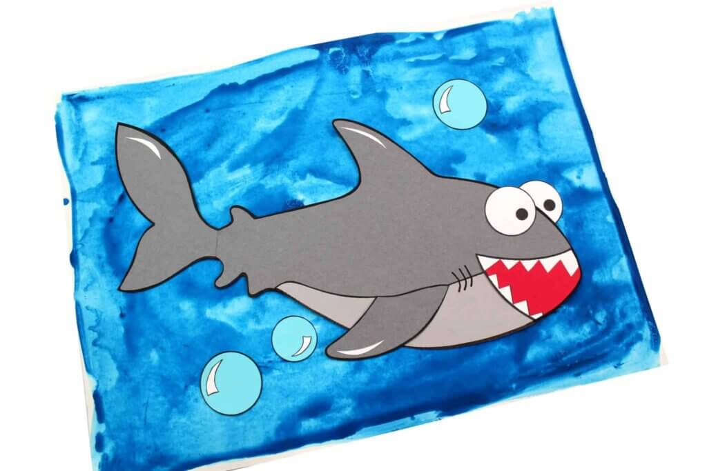 This great white shark craft is perfect for doing in preschool.