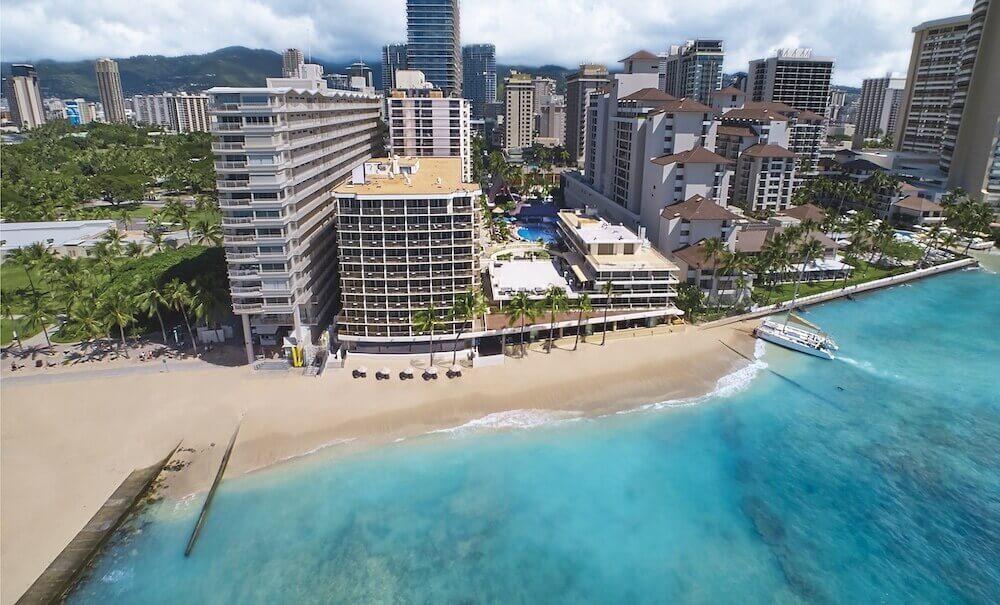 Image of the Outrigger Reef Waikiki Beach Resort.